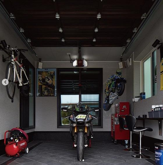 一条工務店 公式インスタグラム バイクガレージのある平屋実例 ガレージ内部