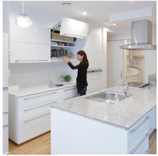 一条工務店 公式インスタグラム 白で統一されたキッチン空間