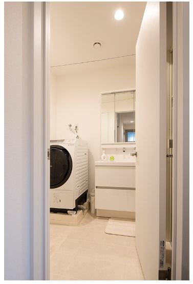 BLISS 公式サイト 大きな勉強カウンターのある狭小住宅 洗面所